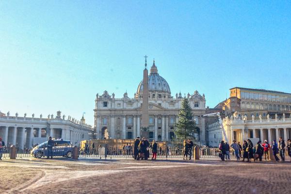 Qual é a diferença entre basílica, catedral e duomo? - EmRoma.com