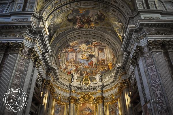 Igreja de Santo Inácio de Loyola e suas pinturas incríveis