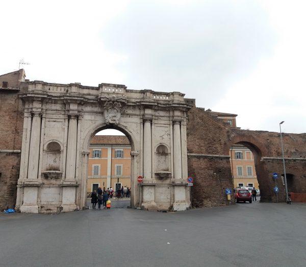 Minha visita ao famoso mercado de porta portese - Porta portese milano ...