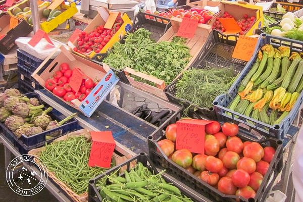 Mercado de Campo de Fiori - O mais colorido de Roma - EmRoma.com